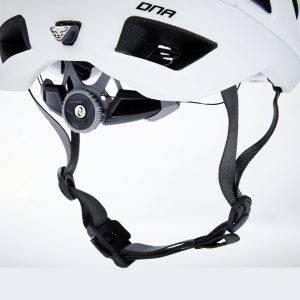 Il casco da scialpinismo Dynafit DNA Daymaker con Boa Closure System
