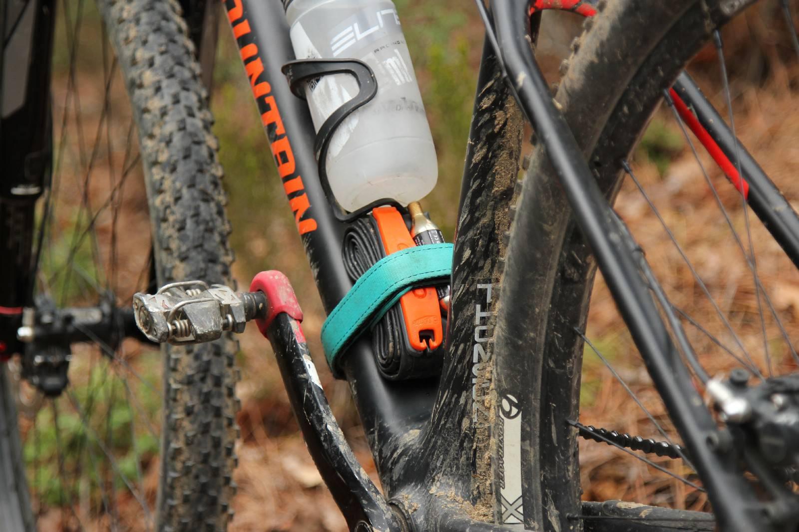 È meglio assicurare nella parte bassa del telaio eventuali tools o accessori supplementari in modo da mantenere basso il baricentro della bike. Ph Davide Ferrigno