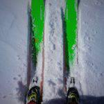 Dettaglio dello sci Elan Rip Stick 96 in azione