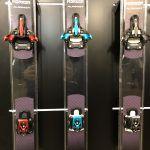 I tre modelli Marker Alpinist, rosso con scala Din 6/12, azzurro 4/9, antracite entrambe.