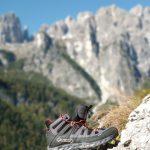 Aku Selvatica Mid GTX nella cornice delle Dolomiti di Brenta