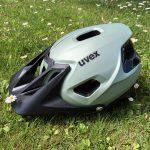 Uvex Quatro Integrale, casco da mountain bike con visiera anteriore abbassata
