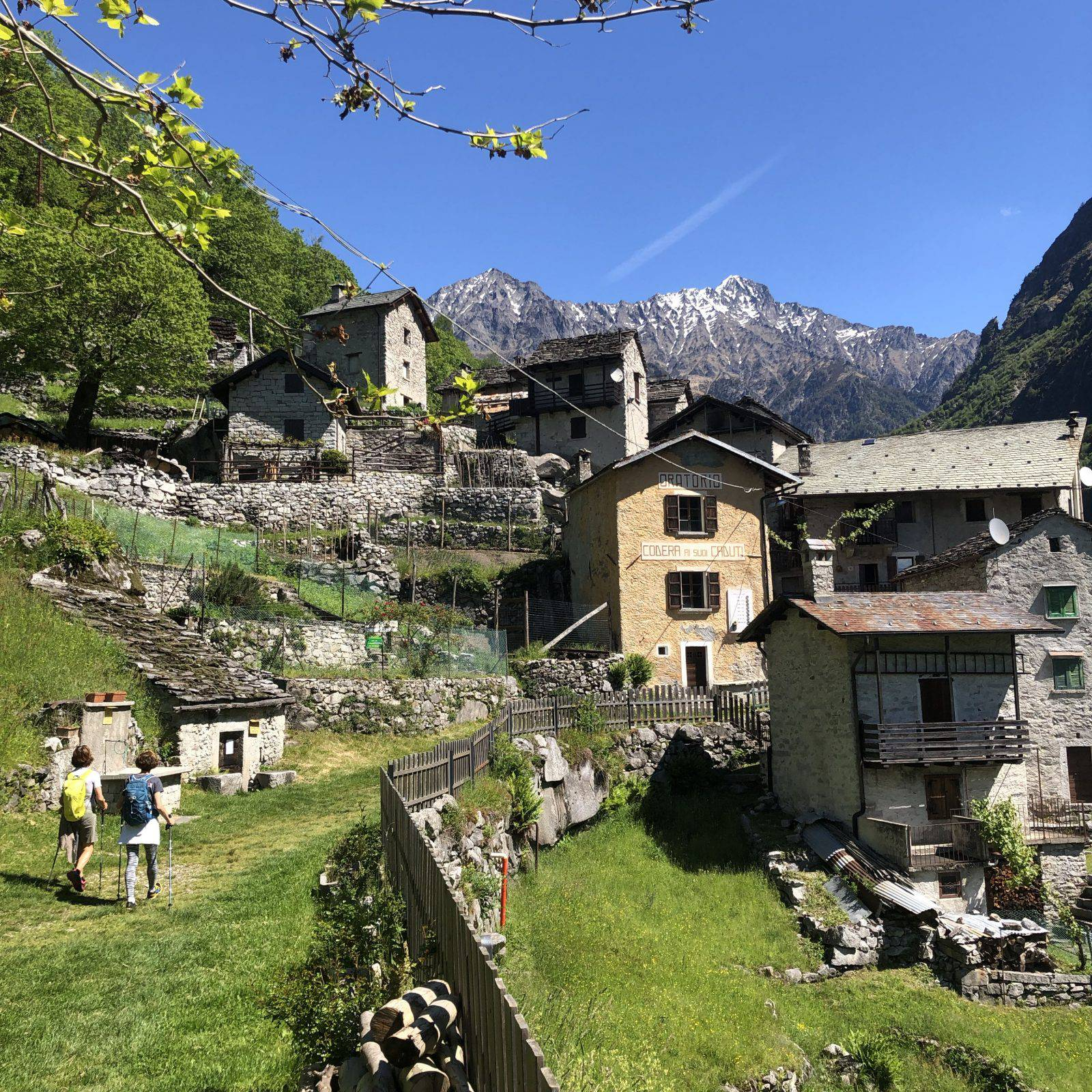 Il borgo di Codera, senza accesso stradale, abitato tutto l'anno da pochi nuclei familiari