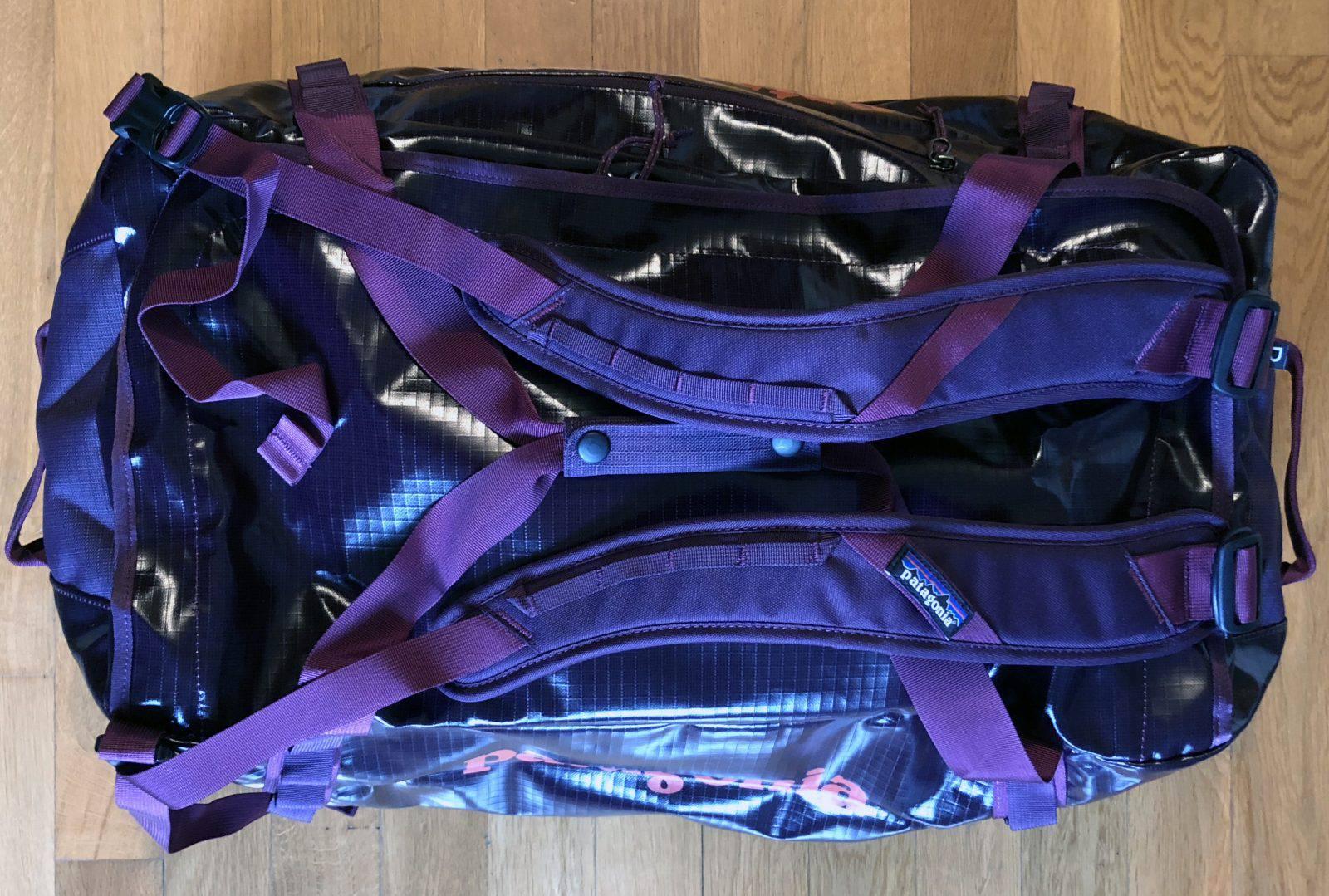 Gli spallacci amovibili della borsa Patagonia Black Hole Duffel Bag