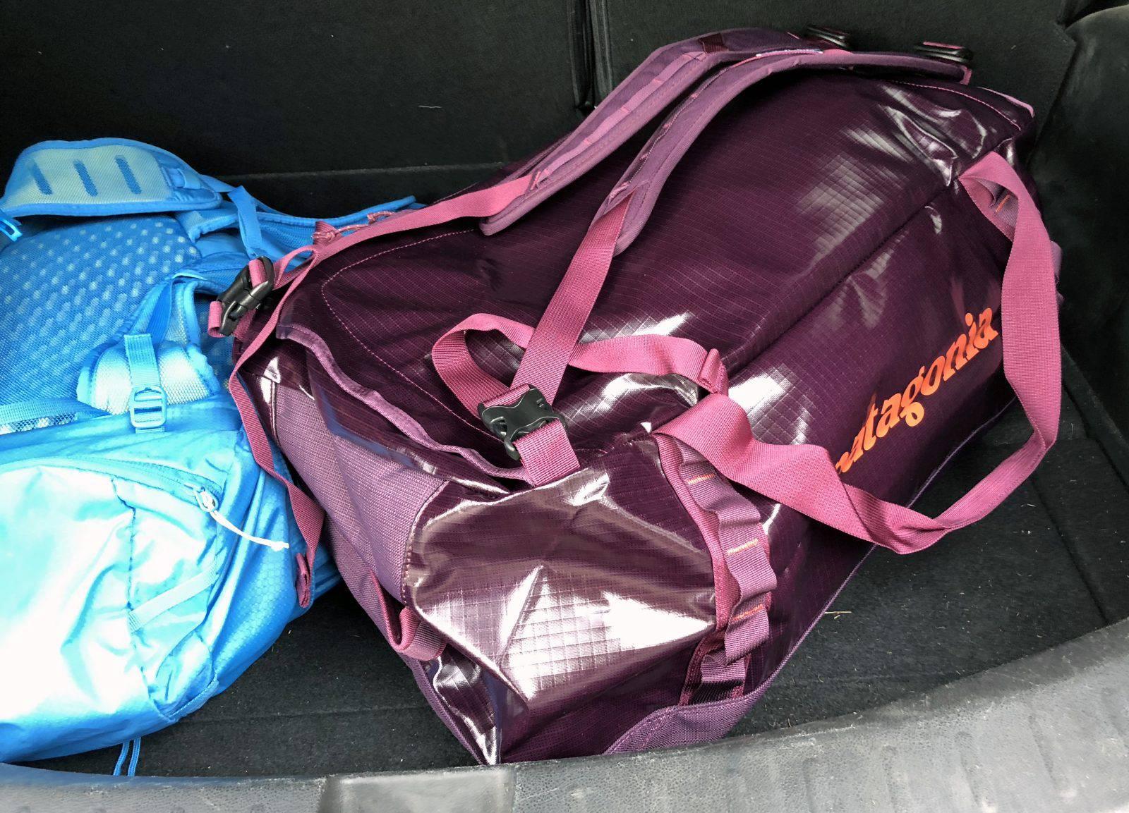 La borsa Patagonia Black Hole Duffel Bag nel bagagliaio