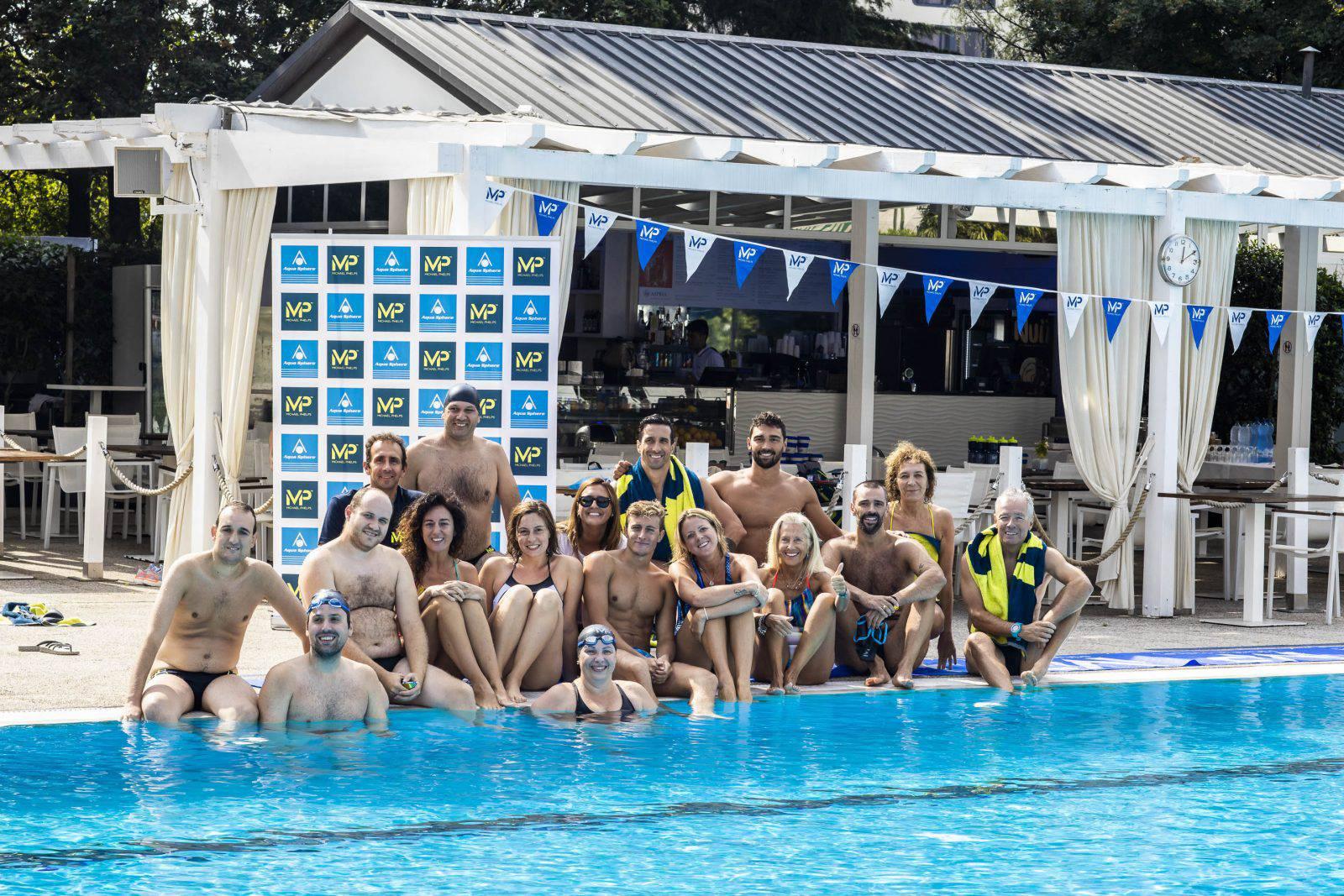 Il gruppo della stampa invitato alla mattinata con gli atleti del team MP Michael Phelps