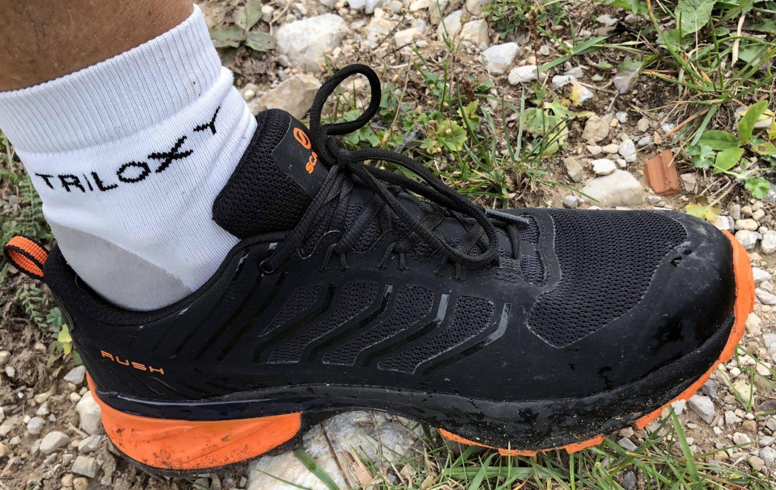 Le calze tecniche Triloxy ai piedi dei tester per assicurare la massima precisione nelle valutazioni, con un confort senza pari