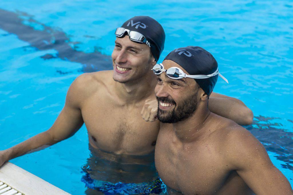 Luca Pizzini e Giacomo Carini, del team MP Michael Phelps, ci aspettano in vasca