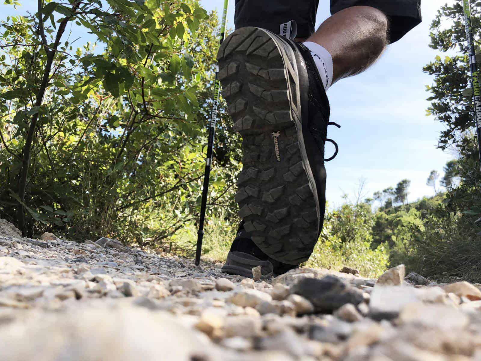 Dolomite Crodarossa Trek è equipaggiata con suola Michelin con disegno ad alto grip e capacità di auto pulizia da fango e detriti