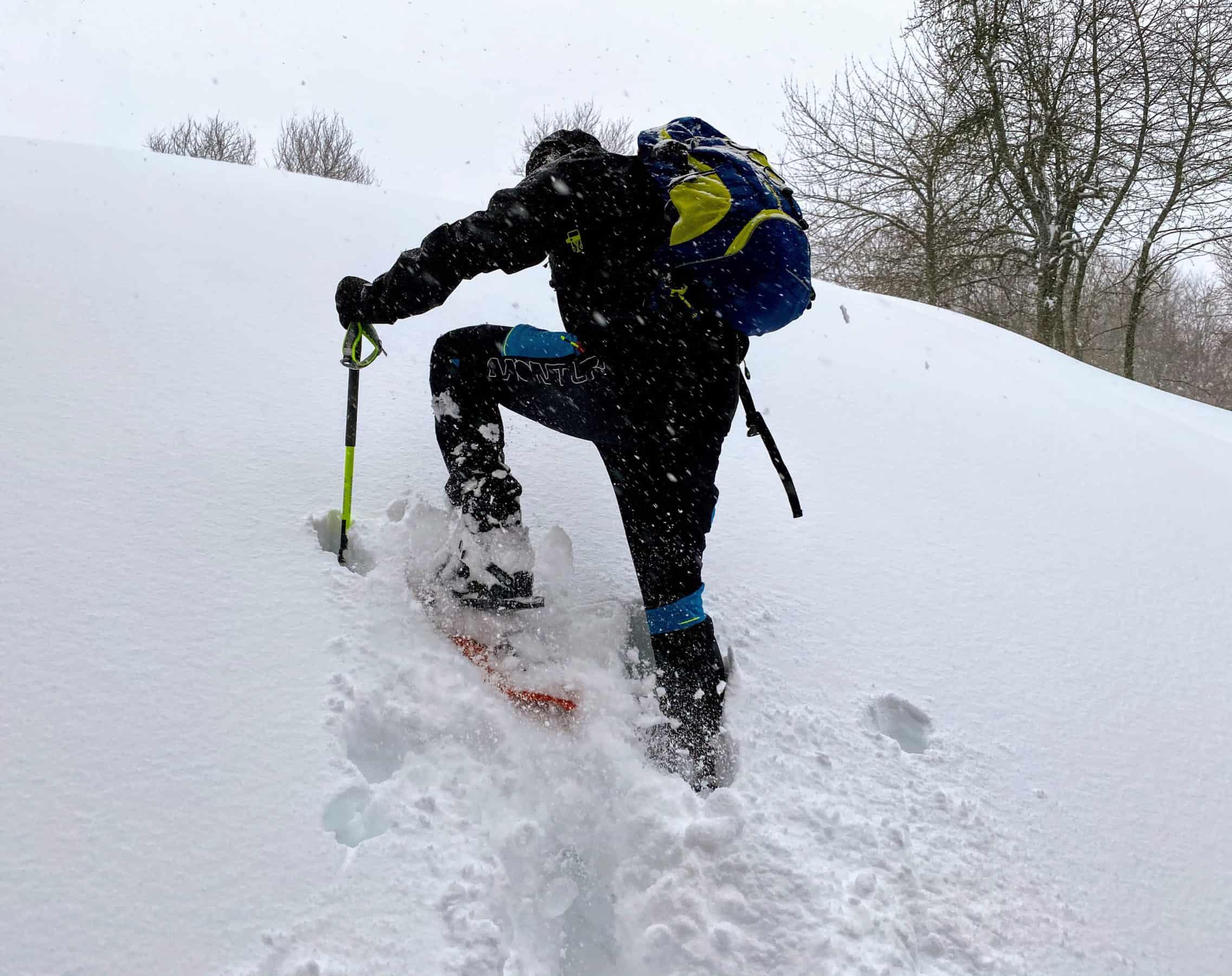 Fjällräven Expedition Lätt Hoodie, durante una ciaspolata in neve profonda