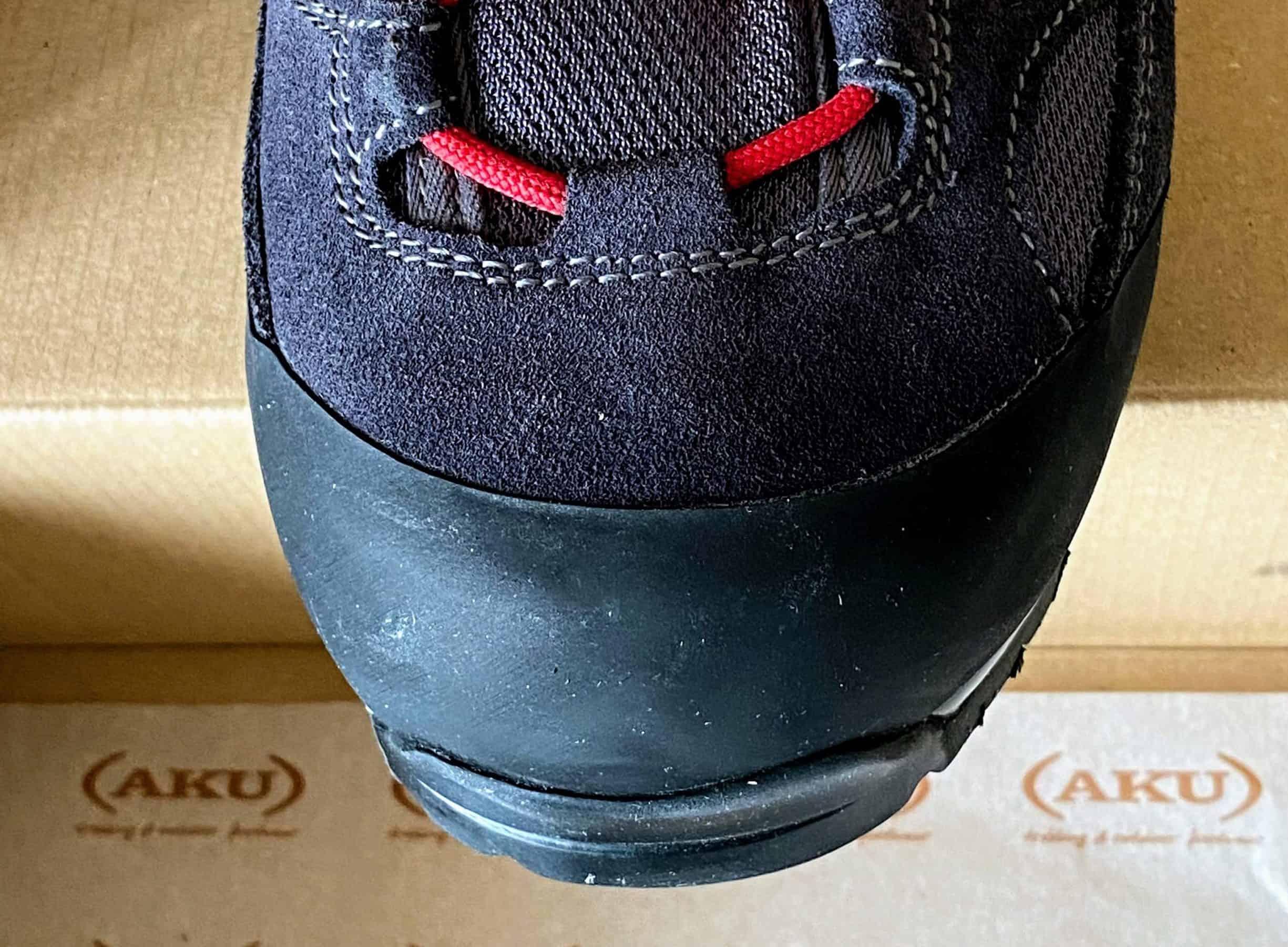 Aku Trekker Pro GTX, puntale protetto con fascia in gomma