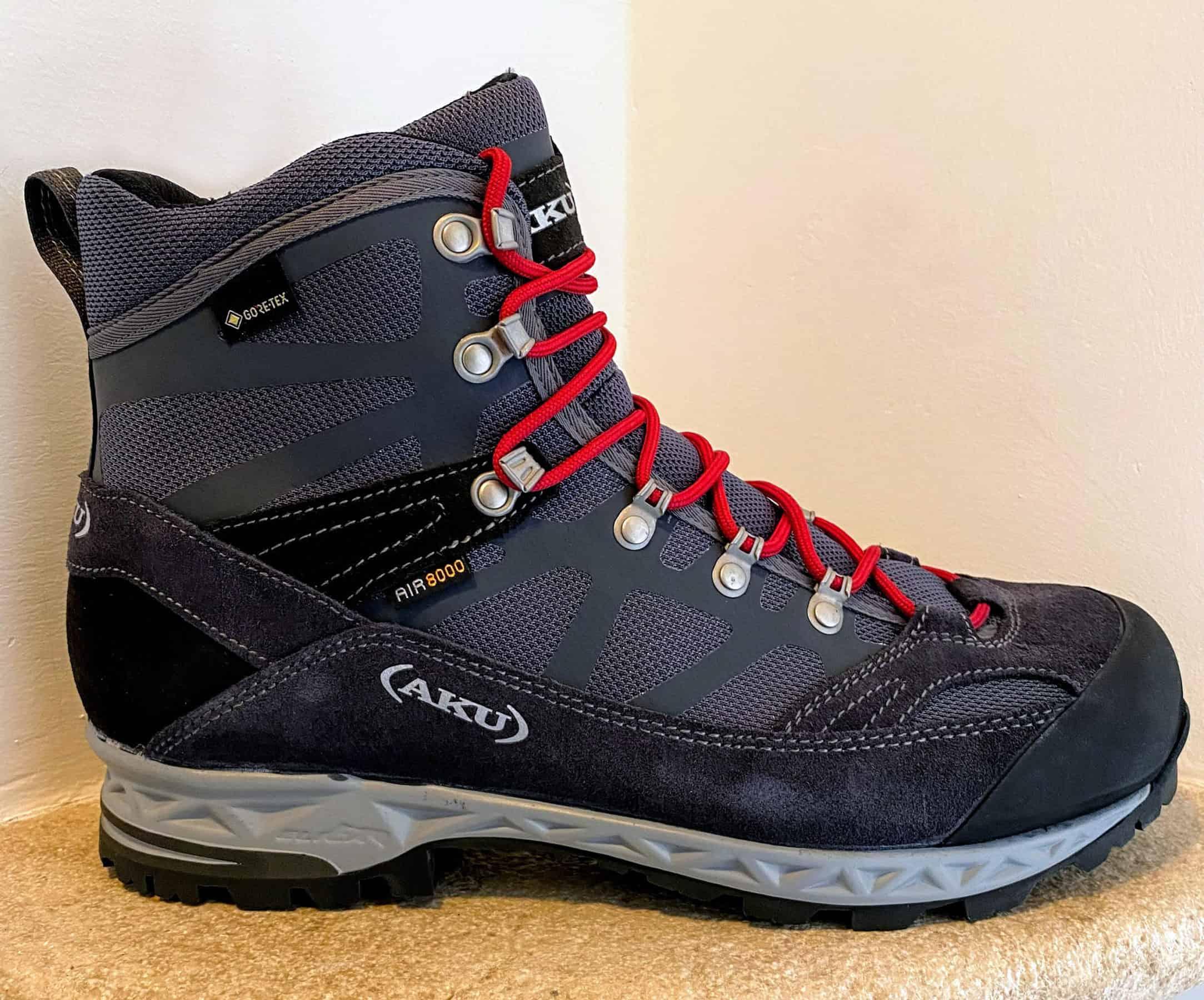 AKU Trekker Pro GTX forma ergonomica
