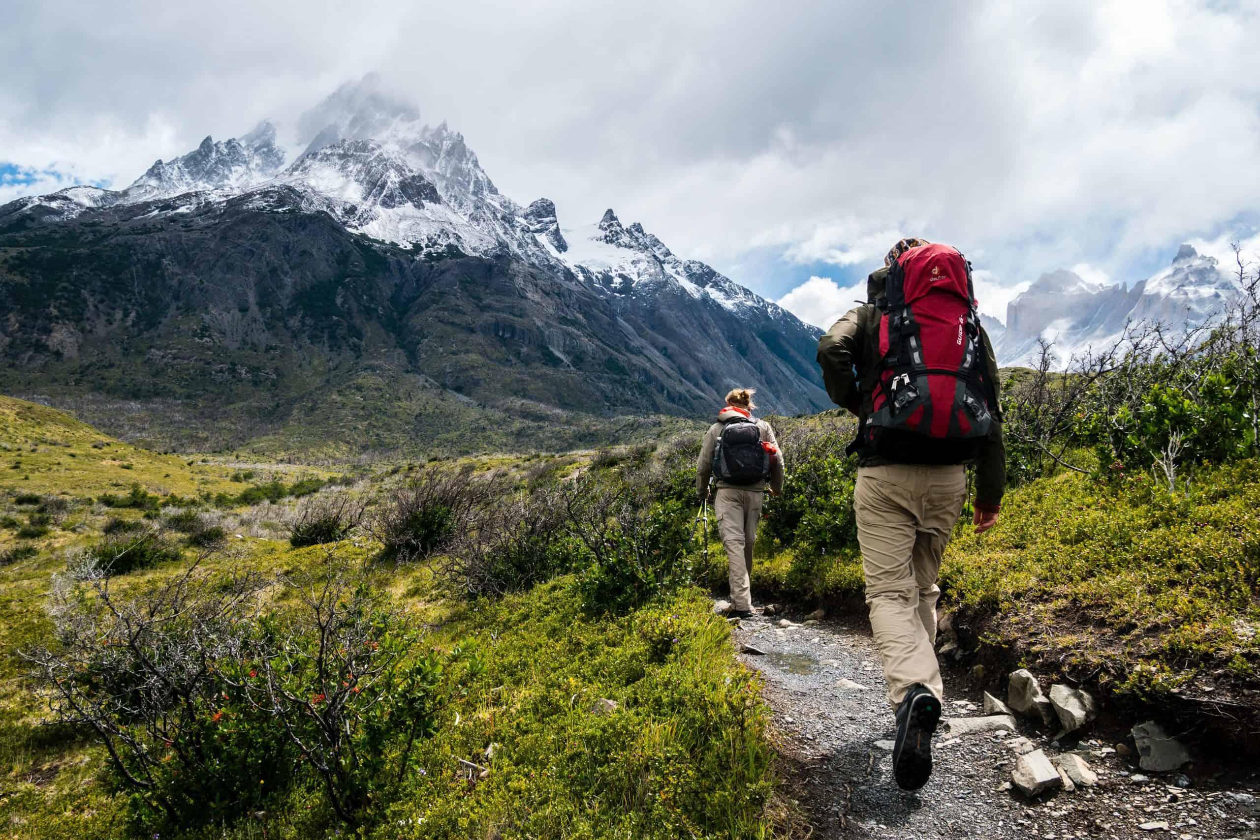 Escursionisti in cammino