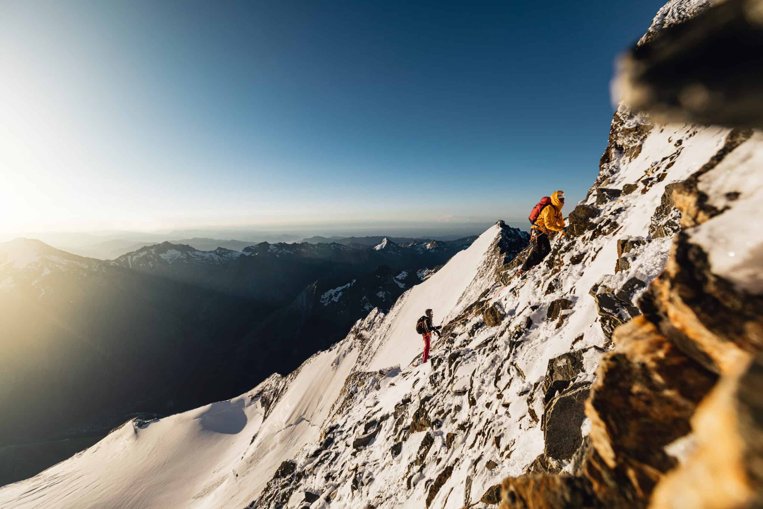 Aequilibrium Series: l'alpinismo light & fast by La Sportiva - action 1